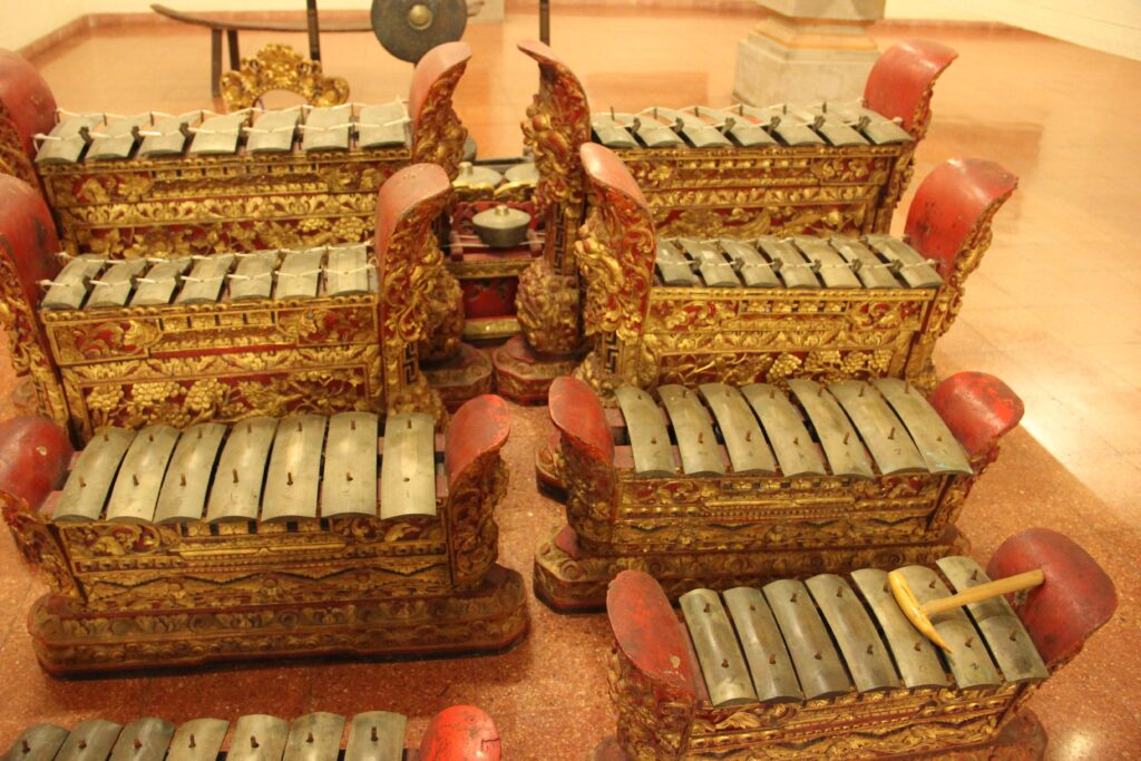 This image has an empty alt attribute; its file name is Gamelan-Grouping-1024x683.jpg